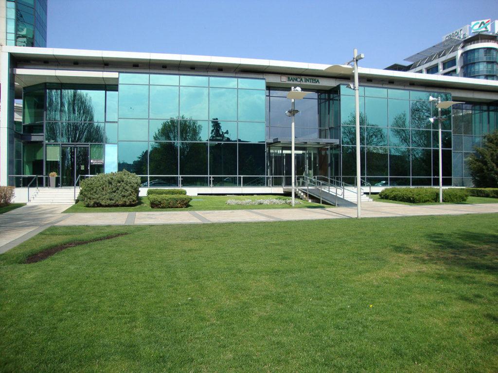 Banca Intesa (bivša zgrada Delta Sport)